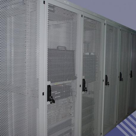 46U 800x800 усиленный серверный шкаф