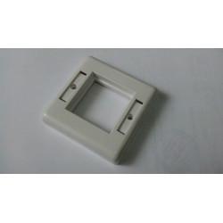 Корпус для внутрeнней розетки 80х80 без вставки, внутренний размер 45х45 мм